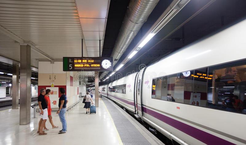 آموزش اصطلاحات کاربردی فرانسه در ایستگاه راه آهن train station conversation