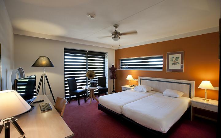 آموزش وسایل اتاق خواب به انگلیسی bedroom in English