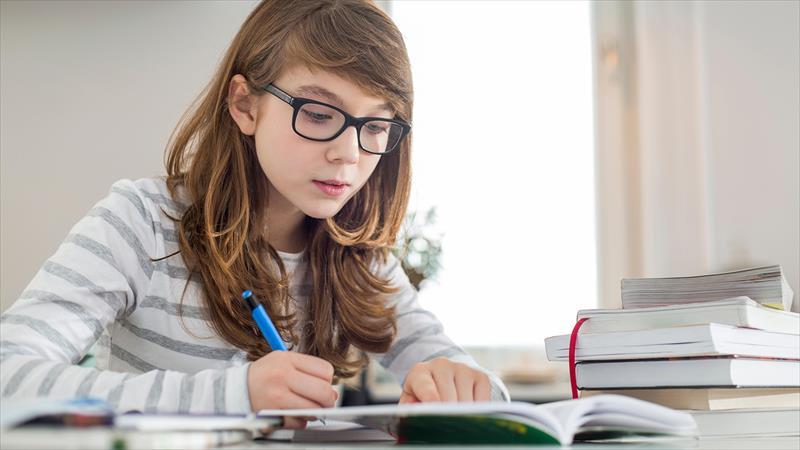 آموزش 9 روش یادگیری زبان انگلیسی در خانه