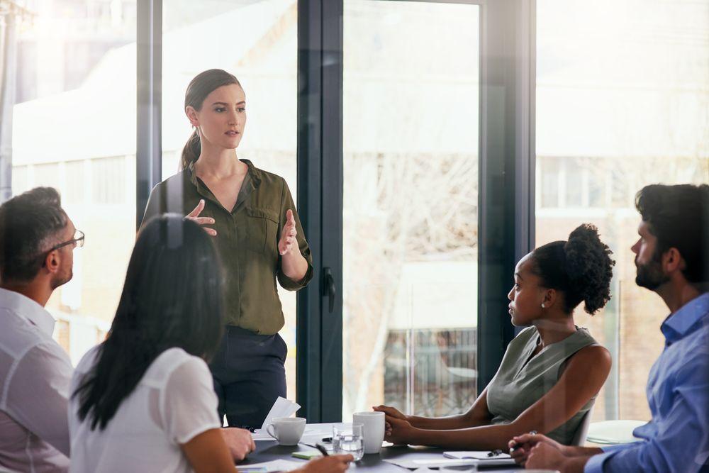 آموزش نحوهی اظهار عقیده در جلسات اداری به انگلیسی