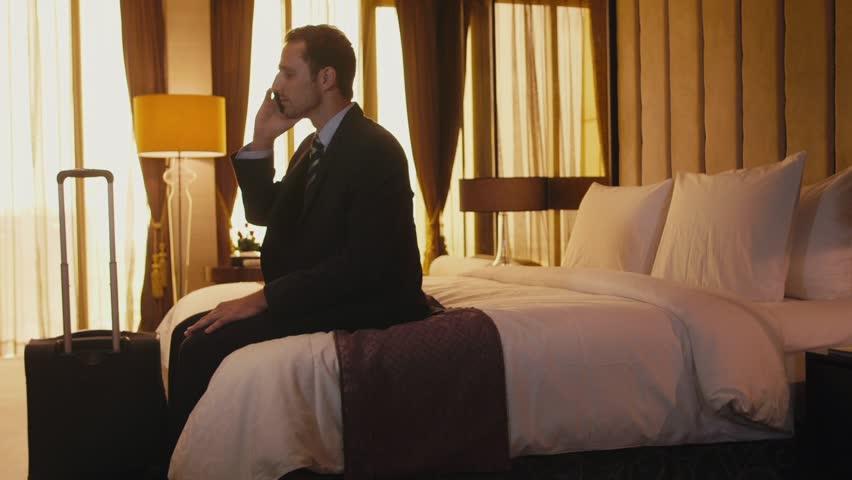 محتوای آموزش انگلیسی در سفر و رزرو اتاق در هتل
