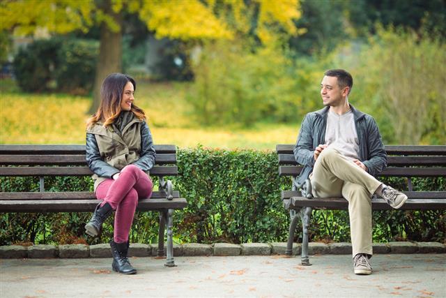 آموزش مکالمه با غریبهها درباره آب و هوا در زبان انگلیسی