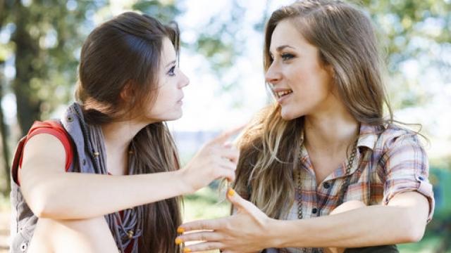 آموزش صحبت در مورد ظاهر افراد به زبان انگلیسی
