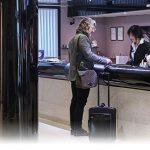 مکالمه ورود به هتل در زبان فرانسه