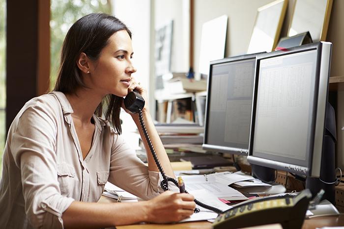 آموزش تلفن زدن در سر کار به انگلیسی
